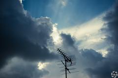 Minimal Sky (PaaulDvD) Tags: angers sky rays light lumière cloud nuage sun colors contrast mini minimal minimalist