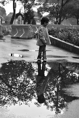 Reflejo (JulietteReyes85) Tags: reflejo bw streetphoto streetphotograpy reflex reflection