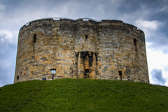 Cliffords Tower York (21mapple) Tags: cliffordstower cliffords tower york yorkshire englishheritage england english heritage medieval castle outlook outdoors outdoor outside