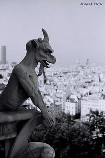 GÀRGOLA (París, agost de 1999)