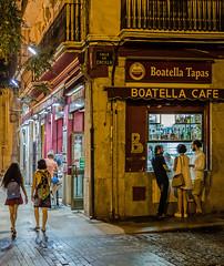 Late Night Snacking (Tapas Bar - La Boatella - Valencia) (High ISO)  (Olympus OM-D EM1-II & Panasonic Lumix 20mm f1.4 Pancake Prime) (1 of 1) (markdbaynham) Tags: tapas people night la boatella valencia candid street lowlight vlc metropolis urban es espana espanol oly olympus omd em1 em1ii em1mk2 csc mirrorless evil mft m43 micro43 m43rd micro43rd panasonic lumix lumixer 20mm f14 prime pancake highiso valenciacanibal
