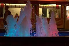 Splash waves (navarrodave80) Tags: splash fontaine night street colors