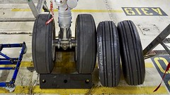 Airbus 320 nose gear tires. SFO. 2017. (planepics43) Tags: airbus 320 319 tires wheels gear sfo sanfranciscoairport sfoov maintenance airport aviation landing lufthansa southwestairlines americanairlines deltaairlines tower takeoff 787 777 757 747 engine claytoneddy 17crossfeed california