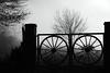 (Walter Daniel Fuhrmann) Tags: niebla fog campo countryside rural arbol tree tranquera blancoynegro blackandwhite bn dark bw
