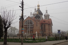 vague de froid exceptionnelle sur l'Europe! (8pl) Tags: самбір neige printemps froid ukraine cathédrale église passants matin rue
