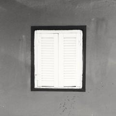 Finestra (marcovizzini) Tags: finestre windows blackwhite monocromo