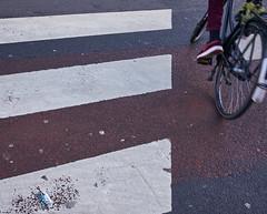 Crossing the Street, Amsterdam 2015 (pmhudepo) Tags: amsterdam street straatfotografie zebrapad zebracrossing fiets bicycle cycle stad