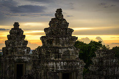 Phnom Bakheng (Darren Poun) Tags: phnombakheng angkor siemreap cambodia southeastasia religion temple monument relic nikon d800 d800e nikkor70200mm f28