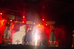 En la imagen se puede ver un momento de la actuación de la txaranga Parrandazaleak con el título 'Akelarre'