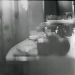 Braketing on my desk (1) (AimForThePhoto!) Tags: fujifilm neopan 400 blackwhite blancoynegro bw bn film película tlr prinzflex lavieja 75mm mediumformat formatomedio 6x6 120 manucrespo
