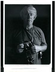 Jean Jacques avec Leica et Rolleiflex (JJ_REY) Tags: jeanjacques portrait rolleiflex leicam3 film bw fuji fp3000b instantfilm peelapart expired graflex crowngrafic fujinon 180mm paris france