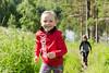 lapset juoksevat Vesileppiksessä (VisitLakeland) Tags: running child field forest nature outside outdoor girl run active summer finland vesileppis leppävirta juosta pelto ruoho heinä metsä luonto ulkona tyttö