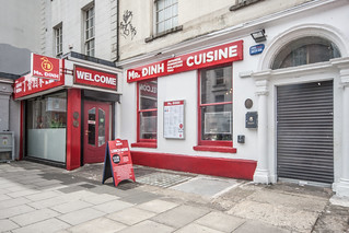TODAY I REVISITED MY CANON 1Ds MKIII And I WAS DISAPPOINTED [MR. DINH RESTAURANT ON CAPEL STREET]-130885