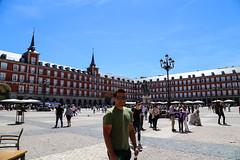 2017 SPM0091 Sam Duarte in Plaza Mayor in Madrid, Spain (teckman) Tags: 2017 europe madrid plazamayor samuelduarte spain comunidaddemadrid es