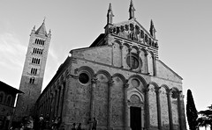 Duomo di Massa Marittima (manuelfanciullacci) Tags: massamarittima grosseto toscana italia italy italien tuscany nikond5100 turismo bn biancoenero bw europa europe duomo chiesa maremma
