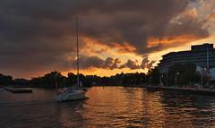 Sailing home into the sunset (Gavin Edmondstone) Tags: bronteharbour oakville ontario sunset brontecreek sailboat cans2s