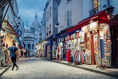 MONTMARTRE PARIS street photography (Carlos Pinho Photography) Tags: paris street streetphotography night nightparis nightlife bluehour cafésofparis montmartre canon canonfrance people silhouette