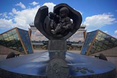 Golden Child Sculpture in Odessa (tarmo888) Tags: sel16f28 sonyalpha sonyα nex7 geotaggedphoto geosetter sooc photoimage фотоfoto year2017 vacationtravel puhkus ukraine україна ukrayina украи́на украина odessa odesa оде́са оде́сса autohdr oblastodessa