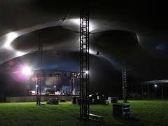 Setting up the Siam Tent, WOMAD 2017 (Andy Worthington) Tags: womad womad2017 womadfestival festivals music musicfestivals worldmusic wiltshire charltonpark andyworthington siamtent