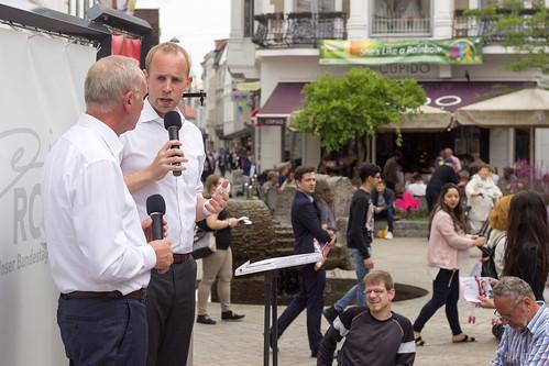 Diskussion zur Wirtschaft mit Bernd Westphal MdB in der Oldenburger Innenstadt.