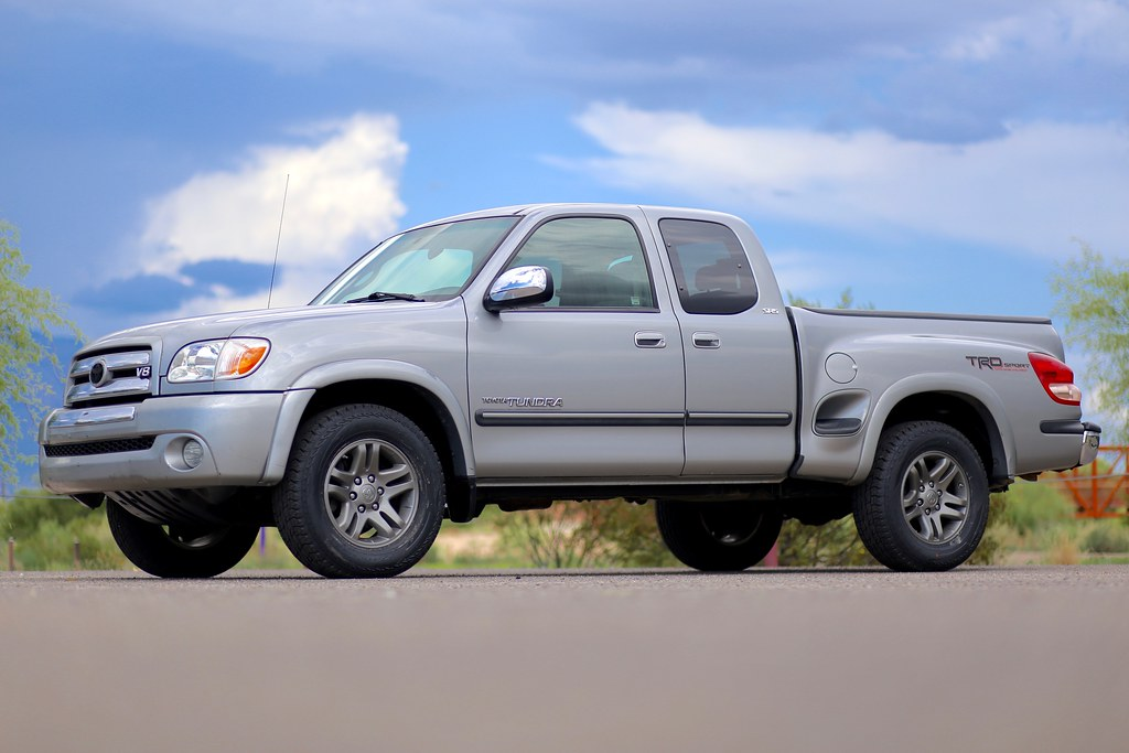 toyota tundra step side sr5 2005 truck