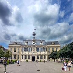 Troyes, l'Hôtel de Ville (pom.angers) Tags: panasonicdmctz30 july 2017 troyes aube 10 champagne grandest architecture frenchrepublic républiquefrançaise 100 17thcentury 150 france europeanunion 200