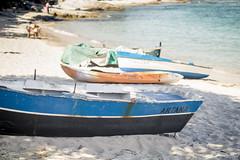Isla de Ons. Barcas (María Bellet Fotografía) Tags: isladeons barcas mar play sea beach boat