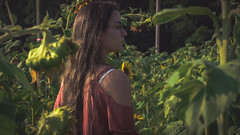 1-01290 (samschuvart) Tags: girl fun sunflower field farm adventure outdoors outside outdoor sony samschuvart sonya6300 a6300 state sunlight sunshine shoot shooting beautiful women
