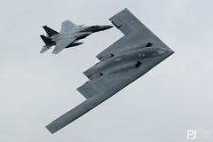 USAF B-2A Spirit 93-1087, F-15C Eagle 86-0015 (philrdjones) Tags: 2017 70thanniversary 931087 airtattoo airshow b2a egva ffd globalpowermission july pennsylvania raffairford riat royalinternationalairtatto spirit stealthbomber usaf unitedstatesairforce