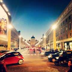 IMG_20151201_200845 (atiguide) Tags: city italy vatican night