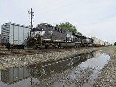 Norfolk Southern Chicago Line / MP 462.5 West (codeeightythree) Tags: norfolksouthernrailroad norfolksouthernchicagoline norfolksouthern laporteindiana laporte indiana freight train trains railroad railroading mow puddle reflection mp4625 transportation
