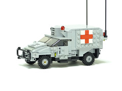 レゴ ウォードッグ野戦救急車(LEGO War Dog Medical Evacuation Vehicle)1 (popo lego) Tags: lego moc military army ambulance medical evacuation vehicle レゴ 野戦救急車