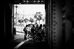 Waiting for a signal (gol-G) Tags: fujifilm xt20 fujifilmxt20 digital carlzeiss zeissplanar50mmf14 planar1450zk bw japan kobe bokeh
