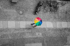 206/365 - Summer? (Sinuhé Bravo Photography) Tags: canon eos7dmarkii selectivecolor umbrella rainbow rain