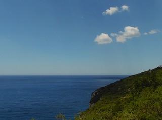 Même les nuages ont le droit d'aller en vacances.. Even clouds have the right to go to holidays..