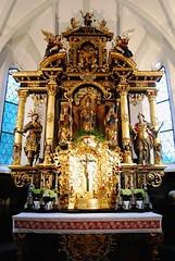 Altar in der Pfarrkirche St. Nikolaus (FrauN.ausD.) Tags: kirche church katholisch catholic altar nikolaus dienten österreich austria gotik gold sliderssunday