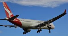 VH-EBM | Qantas | QF38 | SIN - MEL | Airbus A330-202 | Melbourne International Airport | (MEL/YMML) (bukk05) Tags: tullamarine vhebm qantas qantasfrequentflyer qantasfirstlounge theqantasclub qf38 world sin singapore mel melbourne airbus airbusa330202 airbusa330 a330 melbourneinternationalairport melymml ymml 2017 winter wing explore export engine earth runway tamron tamron16300 tourist tourism touchdown travel thrust turbofan rollsroyce rollsroycetrent700 international oneworld photograph photo passenger plane planet prattwhitney prattwhitneypw4000 light landing jet jetliner holiday generalelectriccf680e1 ge flickr flight fly flying flyingkangaroo sky australia air airport aircraft airliner aeroplane aviation airportgraphy airline zoom canon60d canon victoria
