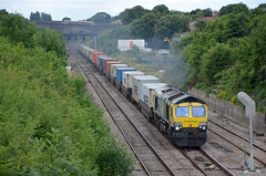 Freightliner 66418, Chipping Sodbury (sgp_rail) Tags: train rail railway trainspotting south glos gloucestershire nikon d7000 chipping old sodbury overbridge bridge track main line wales mainline re routed diversion freight freightliner class 66 66418 powerhaul containers smoke smokey smoking