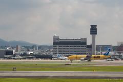Itami Airport 2017.7.19 (5) JA743A & JA604A / C-3PO ANA JET (B777-200) & STAR WARS ANA' JET (B767-300) (double-h) Tags: omd em1markii omdem1markii lumixgxvariopz45175mmf4056asphpowerois rjoo itm osakaairport itamiairport 大阪空港 伊丹空港 airplane 飛行機 伊丹スカイパーク itamiskypark ja743a ana 全日空 b767 b767300 specialpainting 特別塗装 c3po starwars スターウォーズ スター・ウォーズ ja604a