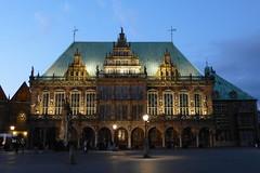 Bremer Rathaus zur blauen Stunde (Helgoland01) Tags: bremen rathaus townhall unesco welterbe