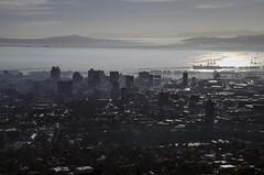 Cape Town Silhouet (Stonebridge65) Tags: capetown kaapstad southafrica zuidafrika africa afrika silhouet city smog fog sunlight westkaap westcape nikon d5100 tamron cityscape