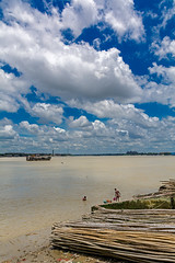 cloudporn over the ganges (mailmesanu20111) Tags: ganges kolkata landscape landscapebeauty india kumortuli daylight life bath ablution cloud cloudporn hinduculture naturecalling nikon people indianpeople northkolkata