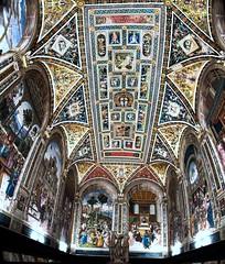 Capilla / Chapel (López Pablo) Tags: chapel church duomo siena tuscany italy panorama paint nikon d90