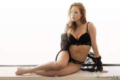 Anne (Moments by Xag) Tags: model modelo moda mujer redhead pelirroja young joven beauty belleza sexy sesion sensual lenceria lingerie light natural luz chica girl glamour cocina kitchen contraluz backlighting nikon 85mm d610 xag momentsbyxag