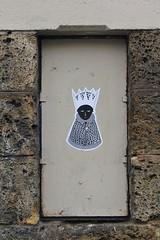Fred le Chevalier_5591 boulevard de Belleville Paris 11 (meuh1246) Tags: streetart paris fredlechevalier boulevarddebelleville paris11 couronne
