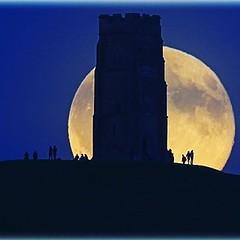 The moon rises over Glastonbury Tor, Somerset #moonrise #glastonburytor #somerset #heathrowgatwickcars (amwtony) Tags: heathrowgatwickcarscom somerset moonrise glastonburytor heathrowgatwickcars the moon rises over glastonbury tor httpheathrowtransfersblogspotcom201707themoonrisesoverglastonburytorhtml
