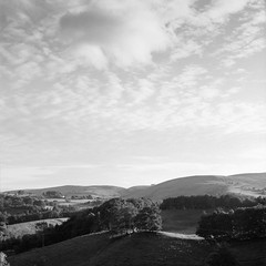 One of my favourite skies (ronet) Tags: 120film hasselblad500cm clouds diydeveloped hills homedeveloped iflotecddx ilforddelta mediumformat peakdistrict sky utata