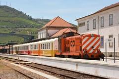 CP 1415 com Schindler - Régua (valeriodossantos) Tags: comboio cp train passageiros 1400 schindler locomotivadiesel carruagens carruagenshistóricas ensaiodasschindler ensaio especial comboioespecial cplongocurso cpregional régua linhadodouro caminhosdeferro portugal