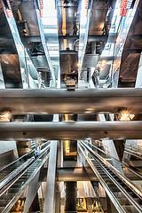 Garibaldi 2 (isnogud_CT) Tags: garibaldi bahnhof statione ubahn underground bahn neapel italien linea1 treppe rolltreppe