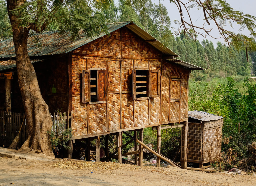 The world 39 s most recently posted photos of bothy and hut for Traditionelles thai haus
